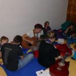 Singerunde im Bettenlager